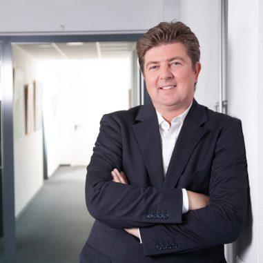 Klaus Behrens ist Fachanwalt für Mietrecht, Wohnungseigentumsrecht und Verkehrsrecht